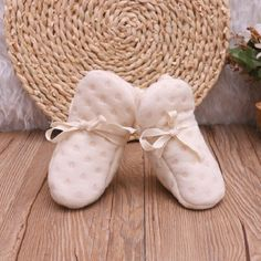 Victorian Organics White Cotton Lace Soft Baby Booties Unisex Infant Crib Shoes