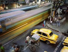 Metropolis: Work in Progress, Calcutta (World Press Photo Award Martin Roemers, photographer Exposure Photography, Documentary Photography, Color Photography, Photography Ideas, Inspiring Photography, Motion Photography, Photography Series, Photography Exhibition, Photography Awards