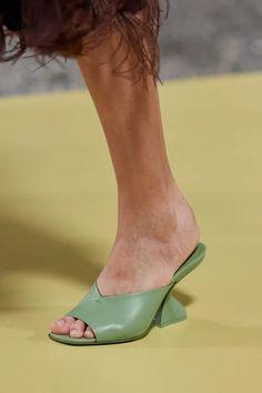 Vogue Paris, Salvatore Ferragamo, Runway Shoes, Mannequins, Beautiful Shoes, Fashion Shoes, Women's Fashion, Shoe Boots, Ready To Wear