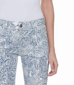 Calça Flare Feminina com Estampa Paisley em Sarja - Lojas Renner