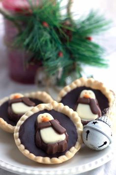 This recipe for Dark Chocolate Ganache Tarts makes a buttery crust filled with a with a rich, smooth ganache makes these tarts a decadent, amazing dessert. Easy Holiday Desserts, Cookie Desserts, Holiday Baking, Christmas Desserts, Christmas Baking, Fun Desserts, Christmas Recipes, Christmas Cookies, Christmas Ideas