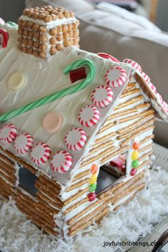 An easy gingerbread house using pretzels