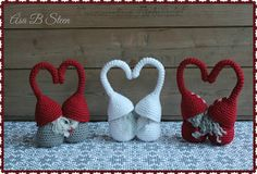 40 Adorable DIY Christmas Craft Ideas Simple and stunning christmas DIY decorations that you can make ceppo christmas Christmas Crochet Patterns, Holiday Crochet, Christmas Knitting, Cute Crochet, Crochet Dolls, Yarn Crafts, Diy And Crafts, Christmas Gnome, Christmas Ornaments