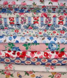 Vintage fabric and haberdashery: Quilting Fabrics Motifs Textiles, Vintage Textiles, Vintage Quilts, Vintage Sewing, Retro Fabric, Floral Fabric, Linen Fabric, Shabby Fabrics, Fabric Patterns