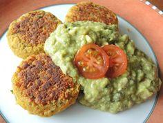 Bean patties with guacamole, based on a recipe by Attila Hildmann, so vegan, vegetarian and also tas Raw Food Recipes, Veggie Recipes, Healthy Recipes, Vegan Food, Vegan Thermomix, Vegan Nutritionist, Vegan Patties, Vegan Chili, Foods To Avoid