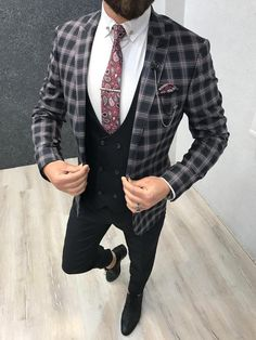 Collection: Spring – Summer 2019 Product: Slim-Fit Suit Color Code: Black Size: 46-48-50-52-54-56 Suit Material: 80% viscose, 17%polyester, 3% lycra Machine Washable: No Fitting: Slim-fit Package Include: Jacket, Vest, Pants, Shirt, Chain and