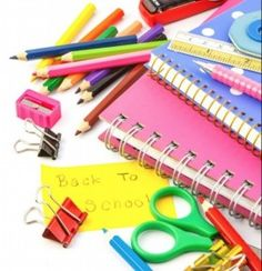 What school supplies to buy when going to university and easy organizing system! Back To School Sales, Back To School Supplies, Back To School Shopping, The New School, New School Year, Going To University, School Calendar, Service Learning