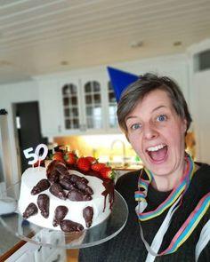 Marthas sjokoladekake - krem.no Croquembouche, Eclairs, Cake, Desserts, Tailgate Desserts, Deserts, Kuchen, Postres, Dessert