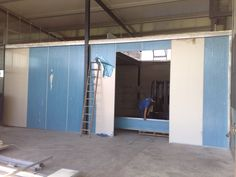 Pressurised paint booth. Custom built to any size and configuration, and according to every need. Visit www.tech-wood.it for technical specifications and photos of all our products.
