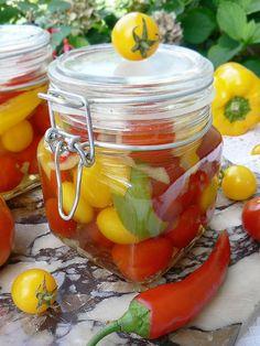 Pomidorki koktajlowe w zalewie na zimę Christmas Food Gifts, Canning Recipes, Beets, Preserves, Pickles, Salads, Food And Drink, Healthy Eating, Stuffed Peppers