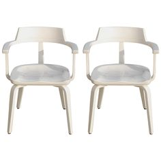 Shop office chairs and desk chairs and other antique and modern chairs and seating from the world's best furniture dealers. Modern Armchair, Modern Chairs, Cool Furniture, Furniture Design, Vintage Office Chair, Walter Gropius, Desk Chair, Armchairs, Design Art
