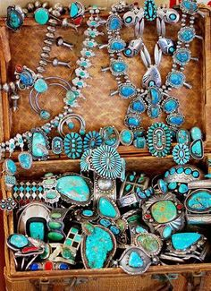 Turquoise Treasure Chest Festival Style Boho Vintage Jewelry Navajo – Yourgreatfinds