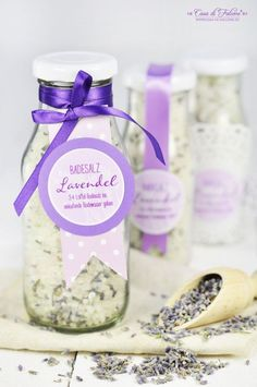 Badesalz mit Lavendel {Rezept} & Verpackungsideen - Casa di Falcone - DIY Geschenke selber machen - Badesalz mit Lavendel {Rezept} & Verpackungsideen – Casa di Falcone Lavendel Badesalz selbstgemacht I homemade bath salth I Geschenke aus der Küche… Homemade Gifts, Diy Gifts, Wallpaper World, Wedding Gifts For Newlyweds, Belleza Diy, Diy 2019, Lavender Bath Salts, Lush Bath, Lavender Recipes