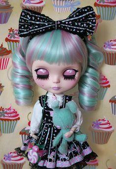 Blythe - cupcakes