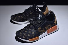 Supreme x Louis Vuitton x adidas NMD R1 BY3087 Look my BIO link to get the real hot shoes & lower price easily. website: www.findsneaker.net (link in my bio) DM / Contact me: Wechat: findsneaker WhatsApp: (+86)17172611480 Email: findsneaker@gmail.com
