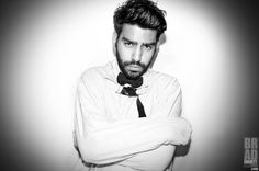 'Live Tweet Through Osmosis?!' Nah! I have a feelin' @Rahulkohli13 will pull a #Houdini & escape just in time to #LiveTweet w/ you during an All New episode of @TheCW's New Smash Hit series @TheCWiZombie tonight @ 9/8c! #DrRaviChakrabarti / Photograph By @Bradley206 #BradEverettYoung for #DreamLoudOfficial 'Conformity' Series DreamLoudOfficial.com / #DreamLoud #CW #iZombie #Zombie #RahulKohli #Rahul #Kohli #EastEnders #RoseMcIver #RobertBuckley #MalcolmGoodwin #Brad #Everett #Young…