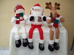 Elf On The Shelf, Christmas Stockings, Holiday Decor, Diy, Crafts, Google, Felt Wreath, Christmas Things, Christmas Ornaments