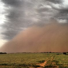Photo by reedtimmer - Haboob or dust storm near Cherokee , Oklahoma on June 27 , 2013