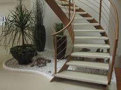 jardineras interiores escaleras modernas casas modernas casa castillo jardn interior barandales marmol fuentes macetas
