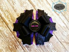 Hey, I found this really awesome Etsy listing at https://www.etsy.com/listing/187197660/minecraft-enderman-hair-bow-for-girls