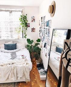 37 Urban Outfitters Bedroom Ideas Urban Outfitters Bedroom A Little Bit Of Lace Urbanoutfitters Via Zoelaz Uohome Silver Bohemian Bedroom Bedding Furniture Deco My New Room, My Room, Dorm Room, Urban Outfitters Bedroom, Urban Outfitters Apartment, Home Design, Interior Design, Design Ideas, Ideas Hogar
