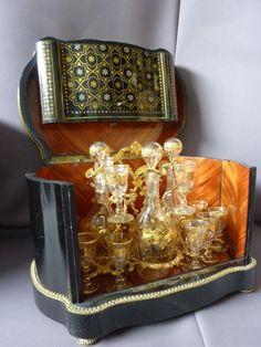 NAPOLEON III PERIOD DECANTER BOX | Philippe Cote Antiquites