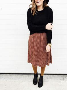 Skirt, sweater, boots