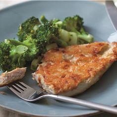Make Chef Ellie Krieger's Parmesan Crusted Chicken Breast Tonight! : Parmesan crusted? Count us in. #SelfMagazine