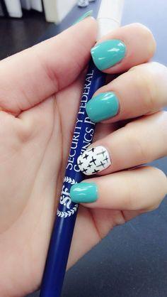 Nails cross spring nails
