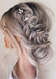 Fantastic Side Braides with Low Bun Styles for Women 2020 Braided Hairstyles For Wedding, Bun Hairstyles, Low Bun Braid, Bun Styles, Hair Styles, Gold Set, Cut And Style, Hair Pins, Bridal Hair
