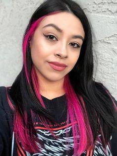 Pink Hair Streaks, Magenta Hair, Pink Hair Dye, Hair Color Pink, Hair Dye Colors, Dye My Hair, Hair Color For Black Hair, Cool Hair Color, Brown Hair