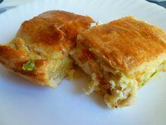Εύκολη σπιτική πίτα χωρίς φύλλο με γαλοπούλα και τυρί