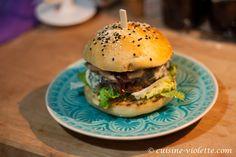 Herbst-Burger mit Birne und Gorgonzola