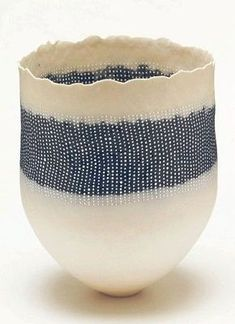 Dot patterned pot (Universe Mininga)