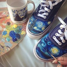 i've customised converse and plain white sneakers but never vans. Painted Clothes, Painted Shoes, Painted Sneakers, Canvas Sneakers, Style Année 80, Art Hoe Aesthetic, Aesthetic Drawing, Diy Vetement, Nike Presto