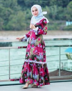 18 Ideas For Style Hijab Casual Untuk Orang Gemuk Niqab Fashion, Muslim Fashion, Fashion Wear, Fashion Dresses, Fashion 2020, Hipster Fashion Winter, Trendy Fashion, Trendy Style, Muslim Dress
