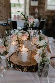 Hochzeitslocation // Schloss Köngen // Raum Stuttgart // TIschdeko // Hochzeitsinspiration // Schlosshochzeit // Vintage // Hochzeit feiern // Christina Hohner Photography // #hochzeitslocation #schlosshochzeit #vintagewedding #locationhochzeit