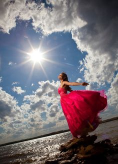 Super Ideas Photography Poses For Teens Sweet 16 Quince Ideas Sweet 16 Pictures, Quince Pictures, Prom Pictures, Birthday Pictures, Girl Photography, Creative Photography, Beach Photos, Girl Photos, Quinceanera Photography