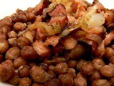Pelēkie zirņi ar speķi (Latvian recipe)