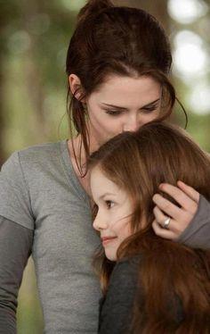 Kristen Stewart as Bella Swan-Cullen & Mackenzie Foy as Renesmee Cullen - The Twilight Saga: Breaking Dawn - Part 2