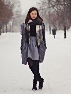 Justyna-life: Szara spódniczka - zimowe zdjęcia