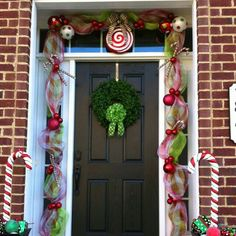 candy cane decorating ideas | Cute candy cane mesh garland