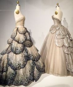 """A Fashion Exhibit for Makers May 12, 2016 The Met's """"Manus X Machina"""" is All About Process by Larra Morris The Costume Institute at the Metropolitan Museum of Art just opened their new Spring/Summer fashion exhibit: """"Manus X Machina: Fashion in the Age of Technology,"""" focused on the distinction between the handmade (manus) and the machine made (machina) in the world of fashion and garment creation. This is a fashion show for makers. Beyond just the word """"technology"""" in the exh.."""