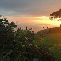 I can't get over the fact that I get to see a sunset like this every night. #sunset #hawaii