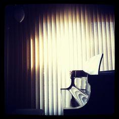 piano black piano white