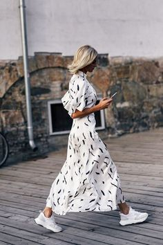 Summer Dresses to Shop Now Sommer Streetstyle Mode / Fashion Week Fashion Mode, Fashion Week, Look Fashion, Trendy Fashion, Fashion Outfits, Fashion Trends, Sneakers Fashion, Womens Fashion, Dress Fashion