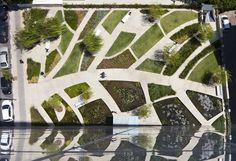 Le Remez Tower Garden est une tour résidentielle située en plein coeur de Tel Aviv, réalisée par la firme en architecture Moshe Zur Architects and Town Pla