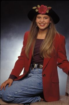 9 Super '90s D.J. Tanner Outfits From 'Full House' That Were Fashion Forward At The Time