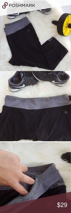 """VOGO ATHLETICA Black Gray Athletic Workout Capris Performance athletic capris in great shape. Perfect for workout or lounging in. Super comfortable. Polyester and spandex. Has a pocket in the front. Stretchy fabric. Lightweight fabric. Approximately 17"""" inseam. Waistband approximately 17"""". Workout capris. Yoga capris. Vogo Athletica Pants Track Pants & Joggers"""