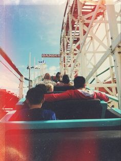 #rollercoaster ima take a pic like this at six flags.
